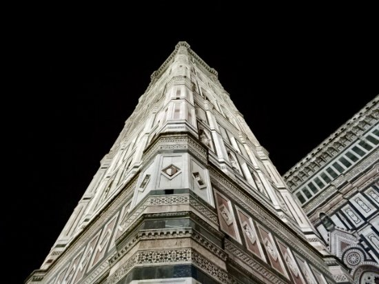Campanile di Giotto: looking up a corner