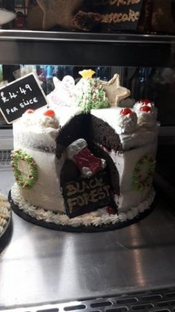 Oldbury, UK: Our delicious black forest cake
