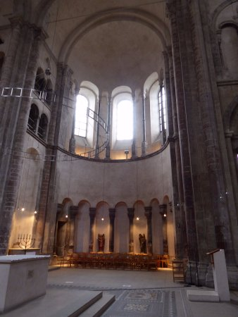 Gross St. Martin: Typical lay-out of Ottonian churches