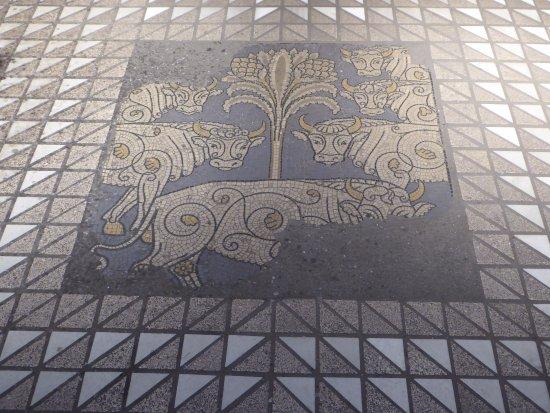 Gross St. Martin: mosaic