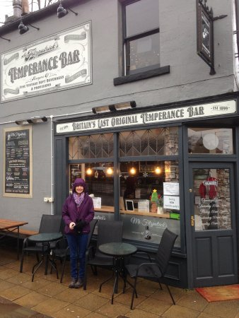 Rawtenstall, UK: Can't wait to go inside to sample the drinks