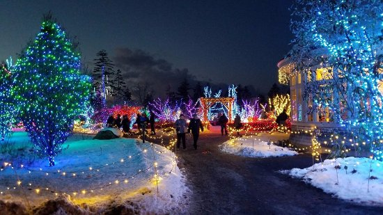 Coastal Maine Botanical Gardens: Entering Gardens Aglow, December 2017
