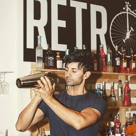 Galliate, Italien: barman