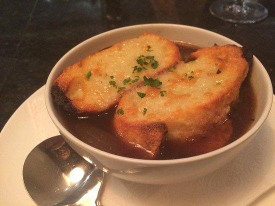 Bowen Island, Canada: French onion soup