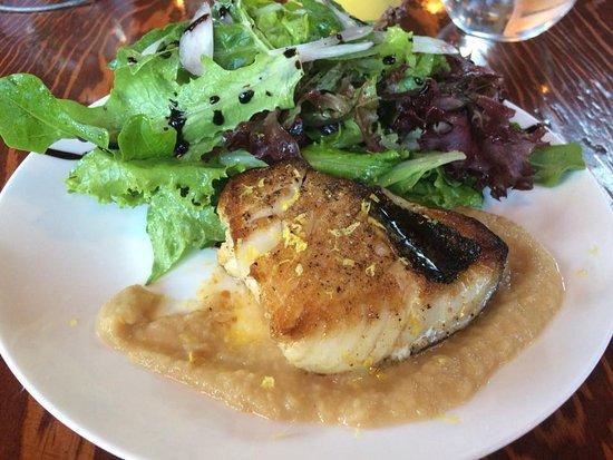 Bowen Island, Canada: Pan eared sable fish lunch entree