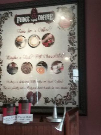 Sheffield, Australia: This menue of fudge and coffee
