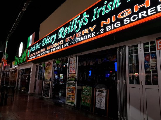 ‪Dicey Reilly's Irish Bar‬