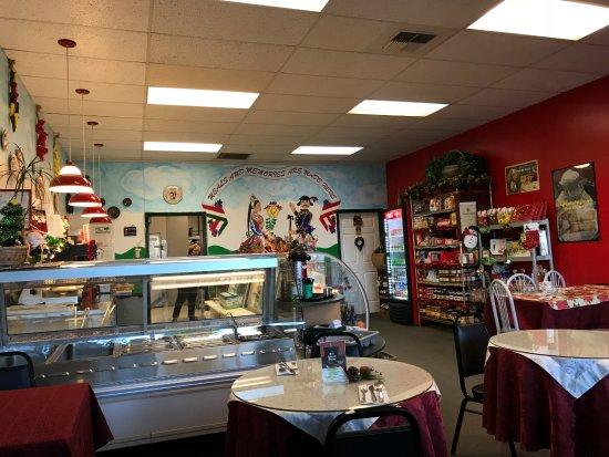 Lynnwood, WA: Inside the restaurant