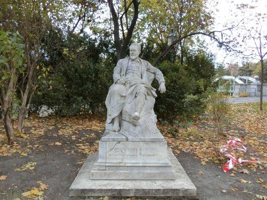 Emil Jakob Schindler Statue