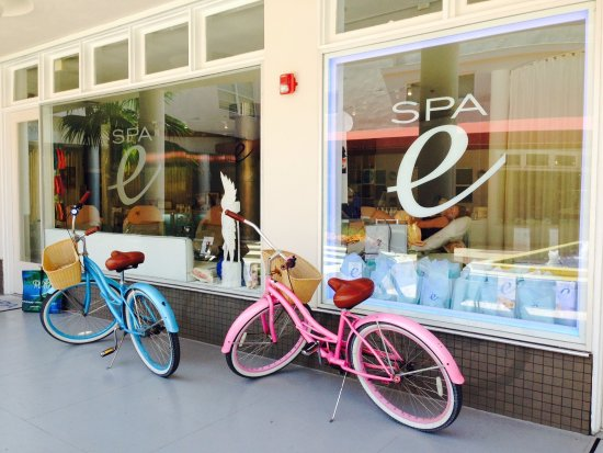 Miami Beach, FL: Our bikes on South Beach :)