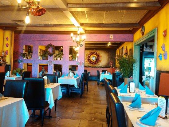 Smithtown, NY: Dining room