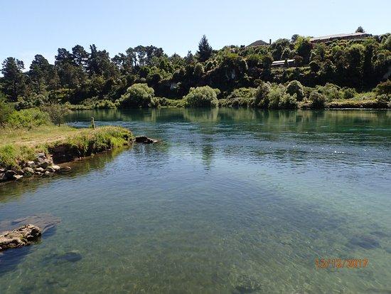 Taupo, Neuseeland: cooling river