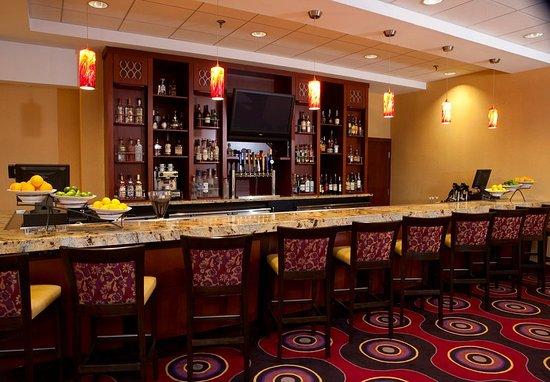 South Portland, ME: Bar/Lounge