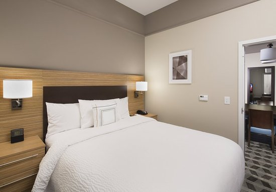 Swedesboro, NJ: Guest room