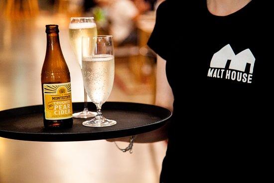 Robina, Australia: Full table service