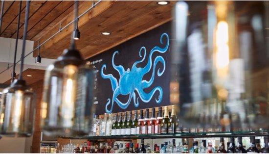 Shrewsbury, NJ: bar