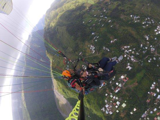 Saint-Leu, Reunión: Voler en parapente à la Reunion  avec AIR LAGON PARAPENTE REUNION .