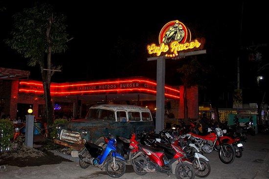 Ej S Cafe Bar And Restaurant