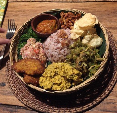 Sarinbuana Eco Lodge: Home made vegetarian nasi campur