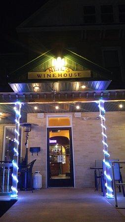 Portage, WI: Neil's Wine House