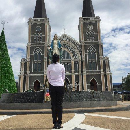 Chanthaburi, Thailand: อาสนะวิหารพระนางมารีอา ปฏิสนธินิรมล มีความสวยสดงดงาม เป็นสถานที่มีความสำคัญของชาวคาทอลิค หากใครผ