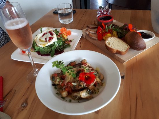 Highfield TerraVin Cellar door and Vineyard Restaurant : 20171213_142622_large.jpg