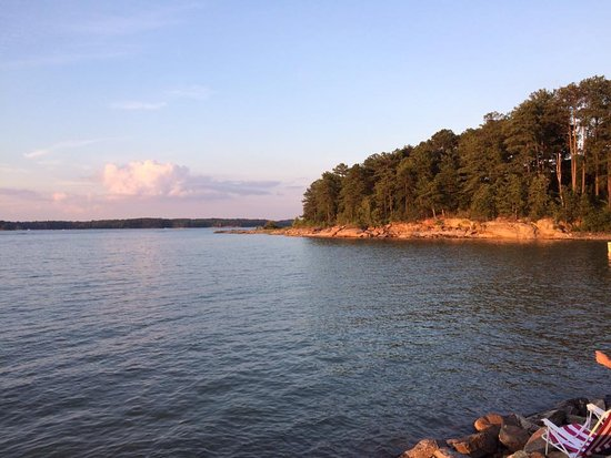 أتلانتا, جورجيا: Lake Lenier's Peaceful Sunset