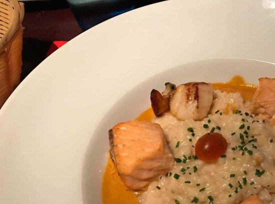 Hesdin, Francja: Assiette riz saumon St Jacques