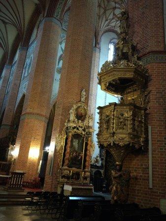 Pelplin, Poland: Imponujące wnętrze bazyliki