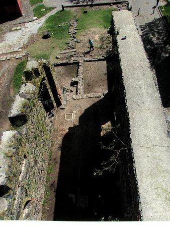 Convento de San Francisco: As ruínas vistas do alto do Farol