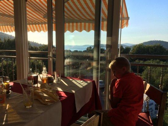 Razanj, Croatia: Näkymä ravintolasta.