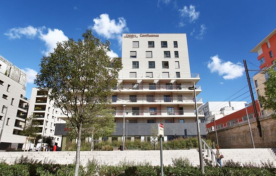 Appart h tel odalys confluence lyon frankrike omd men for Appart hotel lyon 8