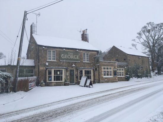 Oundle, UK: Snowy George