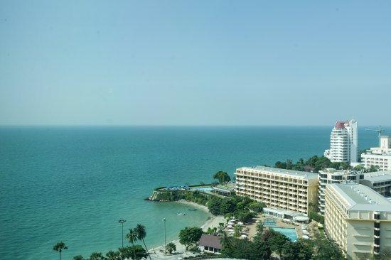 Amari Ocean Pattaya: View from the 19th floor Horizon Lounge