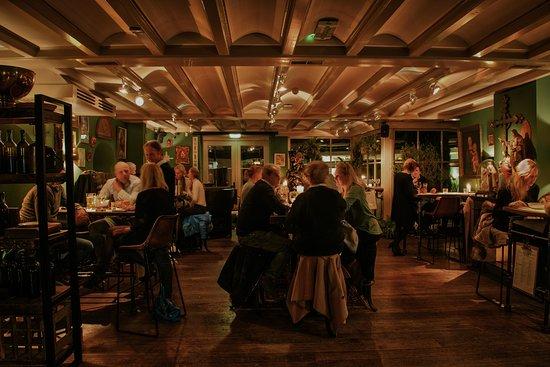 Baarn, Belanda: Winebar