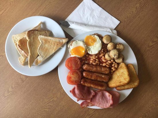 Melksham, UK: full breakfast