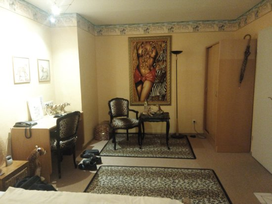 Fuerth, Germany: Africa theme room