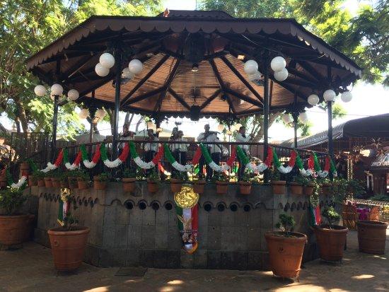 El Parian: Center Pavilion
