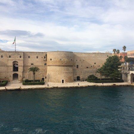 Castello Aragonese: photo1.jpg