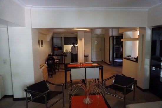 Montanas Azules Apart Hotel: comedor y cocina