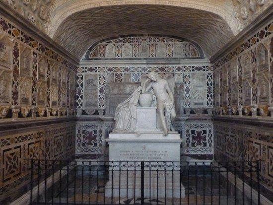 Cathedral of Santa Maria : Cripta de los Mártires.