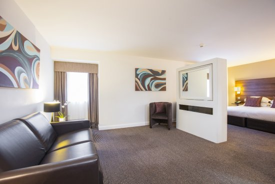 Doubletree by Hilton Chester: Junior Suite/Family Room
