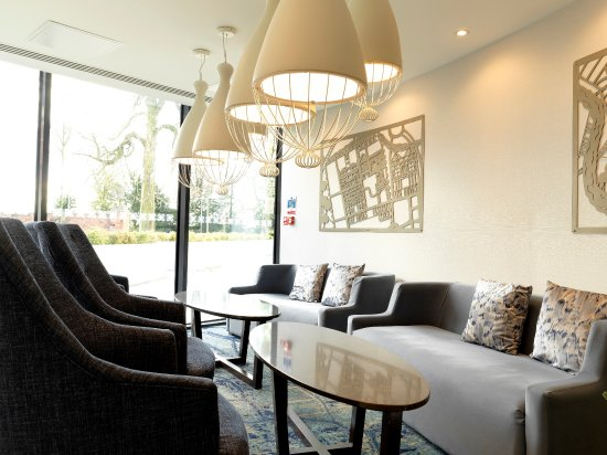 Doubletree by Hilton Chester: Lobby