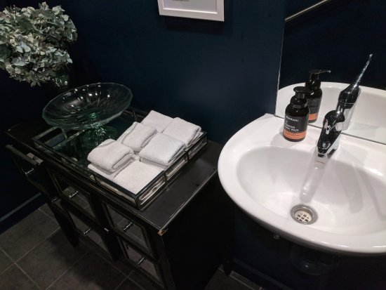 Camberwell, ออสเตรเลีย: Feels like a hotel's toilet. :O