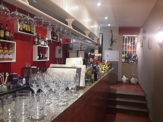 Cheap restaurante franguinho real il bar with interior - Interior designer famosi ...