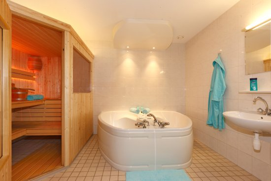 Badkamer Luxe Wellness Bosvilla 10/12 Pers. - Picture of Villapark ...