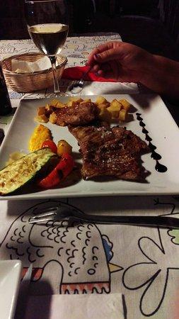 Ye, Spain: Restaurante Volcan de la Corona