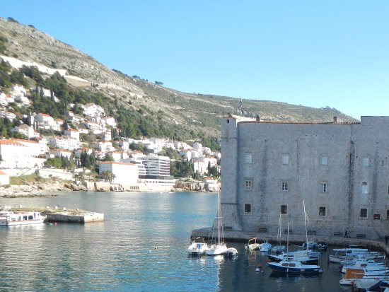 St. John's Fortress: Protecting the harbour