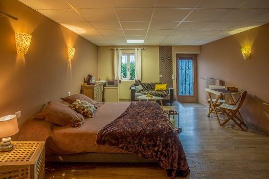 Chambre de 50m2 avec son lit king size - Bild von Naturaform ...