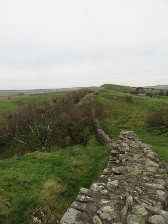 Walltown Crags - Hadrian's Wall : Linear view of Hadrian's Wall